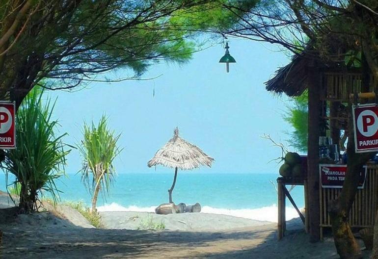 Pantai Cemara Sewu Bantul, Daerah Istimewa Yogyakarta