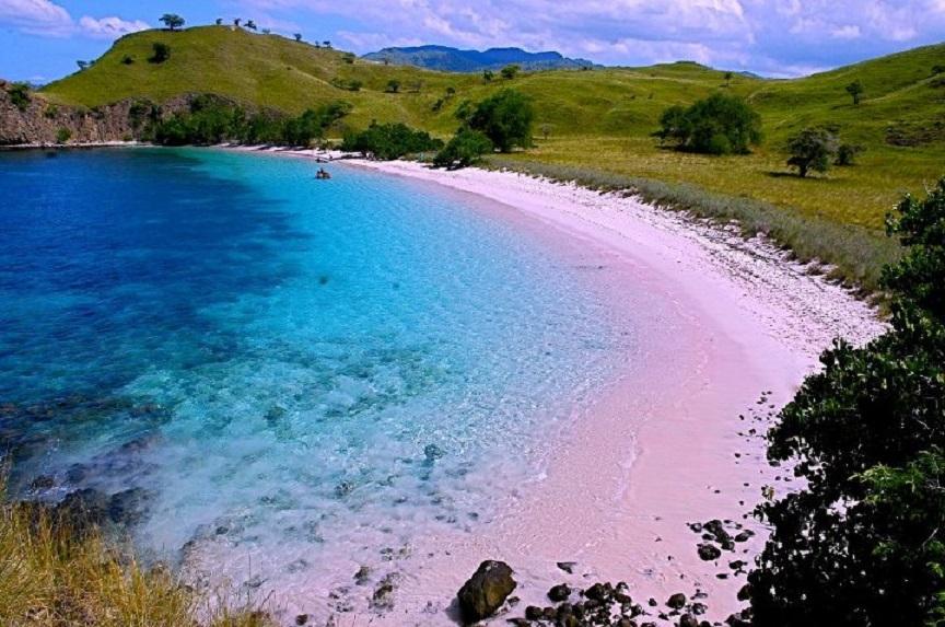 Wisata Pantai Di Indonesia Yang Indah
